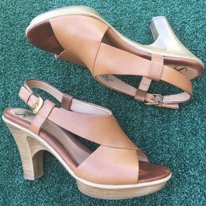 Sofft Open Toe Platform Sandal Leather Camel 6.5